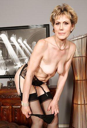 Saggy Young Tits Pics
