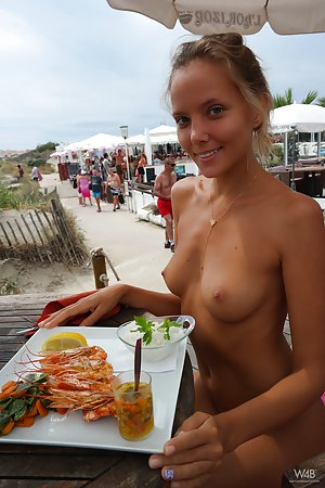 Young Pussy in Public Pics