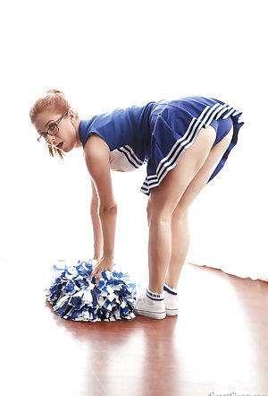 Young Cheerleader Pics