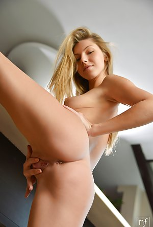 Young Nude Babe Pics