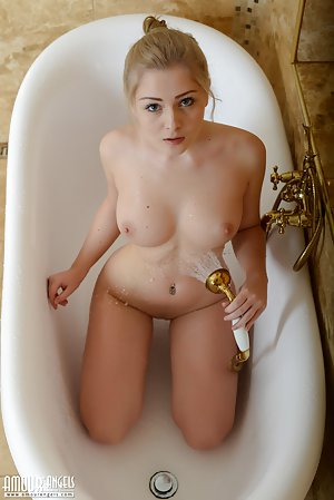 Sex in Shower Pics