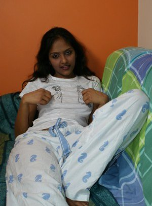 Young Indian Pussy Pics